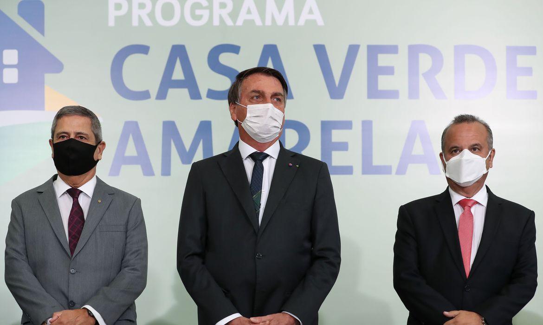 IMAGEM: Bolsonaro sanciona Casa Verde Amarela e veta benefício a construtoras