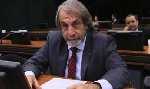 IMAGEM: Ex-deputado Cadoca morre vítima da Covid-19