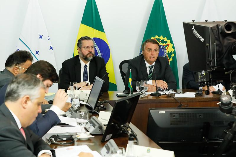 IMAGEM: Em cúpula do Mercosul, Bolsonaro fala em 'salvar vidas e proteger economias'