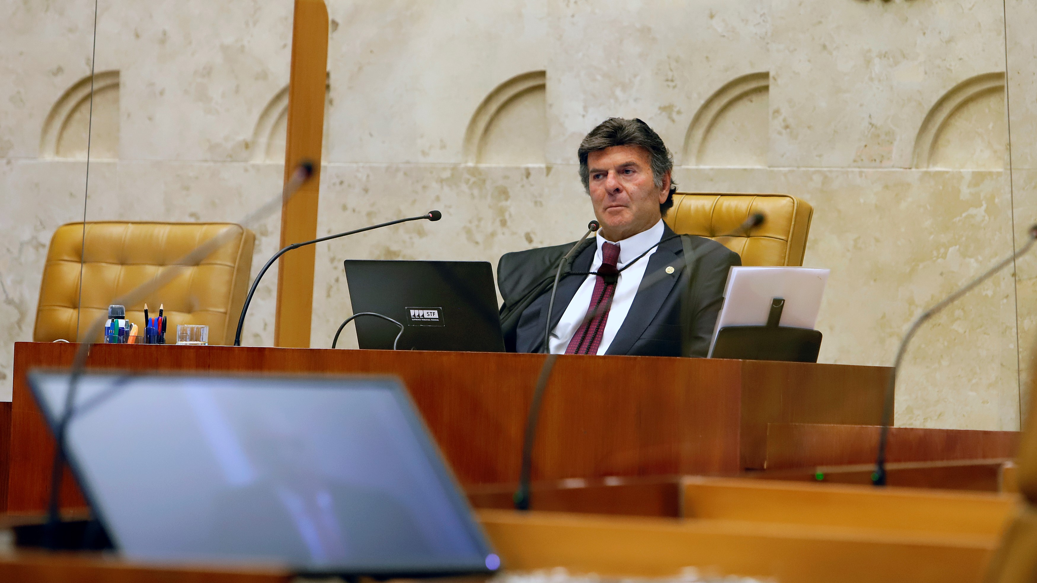 IMAGEM: Ministros querem julgar no plenário do STF liberação de cultos e missas