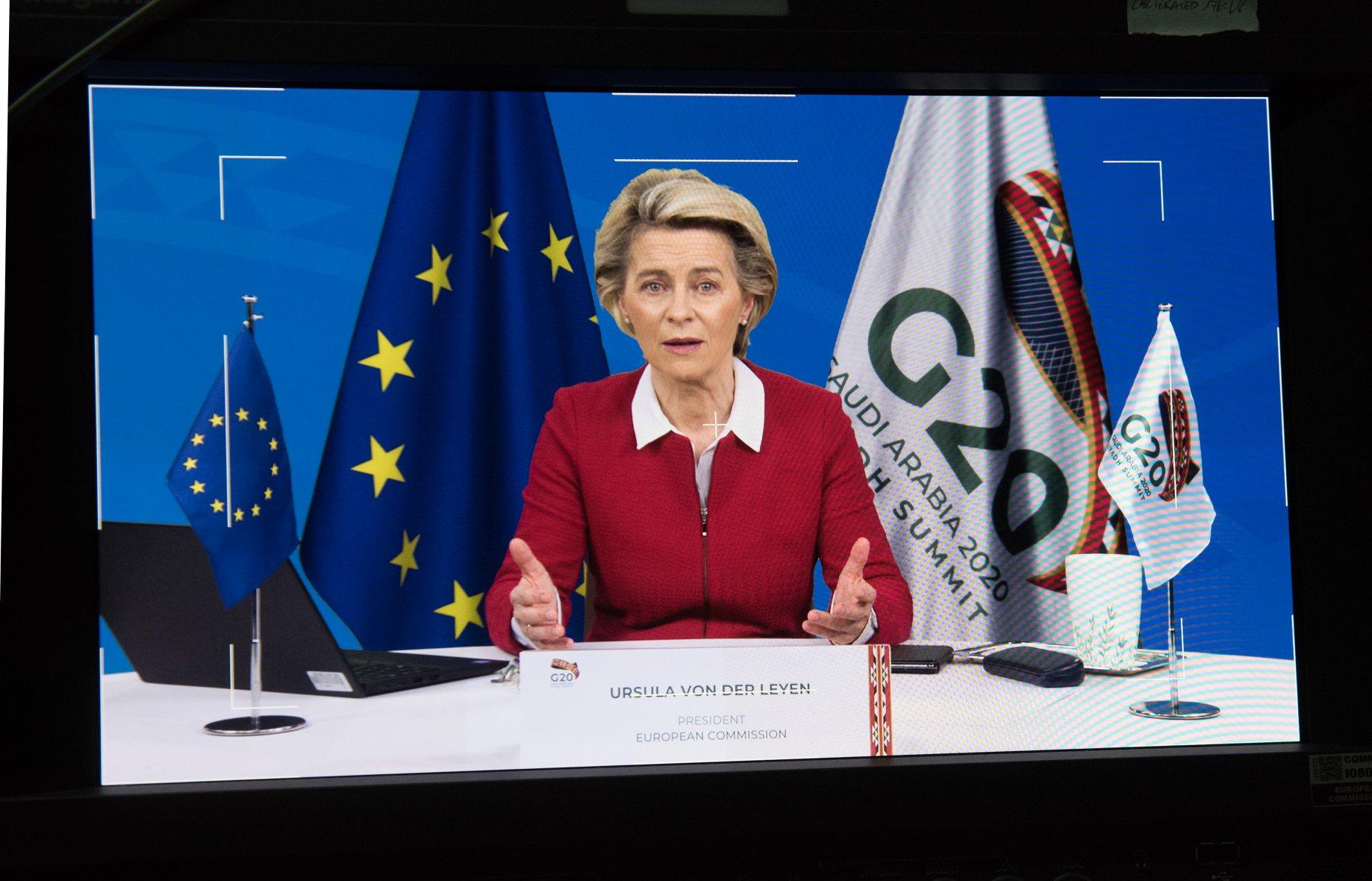 IMAGEM: União Europeia promete doar 100 milhões de doses para países pobres