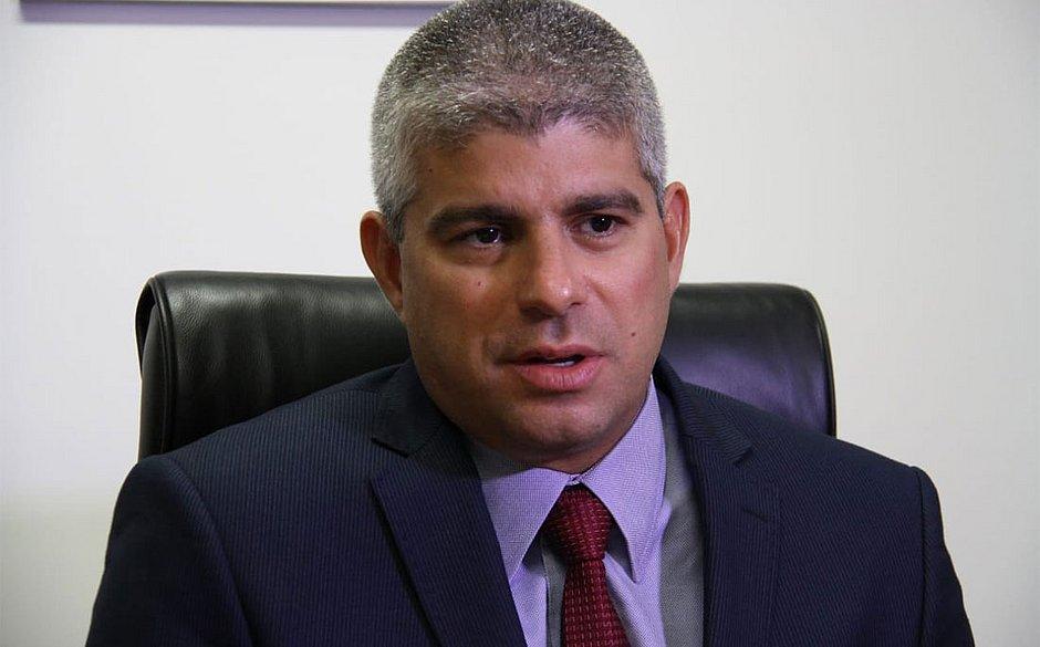 IMAGEM: Secretário de Segurança da Bahia é alvo da PF