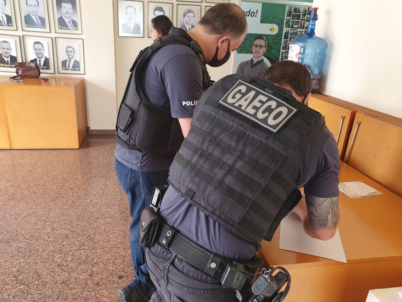 IMAGEM: Dois vereadores presos no interior do Paraná