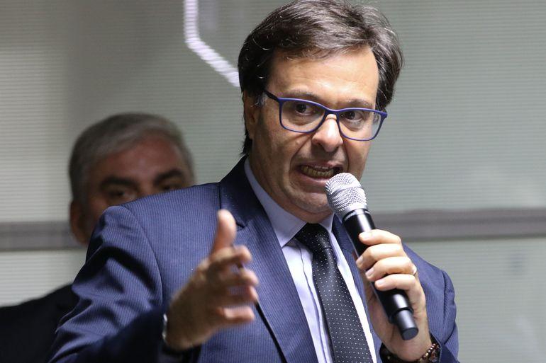 IMAGEM: Como Gilson Machado entregou contrato de 27 milhões a irmão do marqueteiro de Russomanno