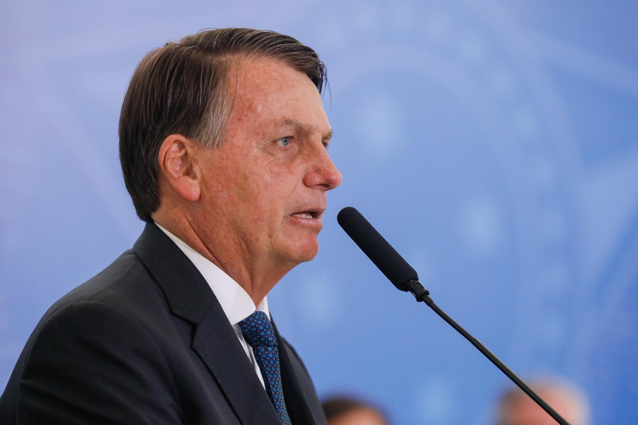 IMAGEM: MP de Bolsonaro pode tirar 500 mil pessoas do BPC