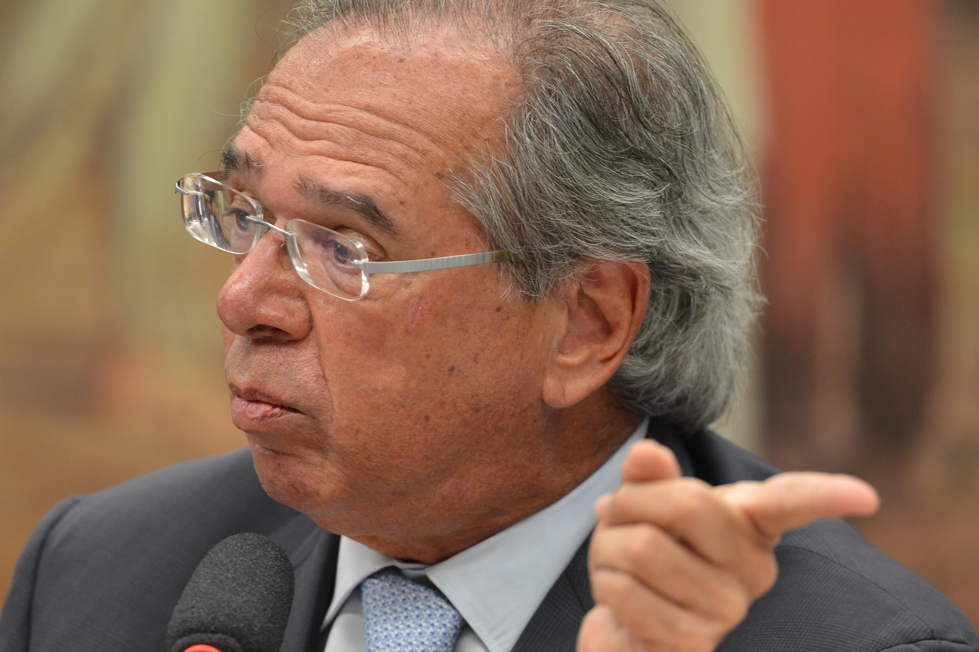 IMAGEM: Guedes pede ajuda para aprovar privatização da Eletrobras, ainda sem relatório no Senado