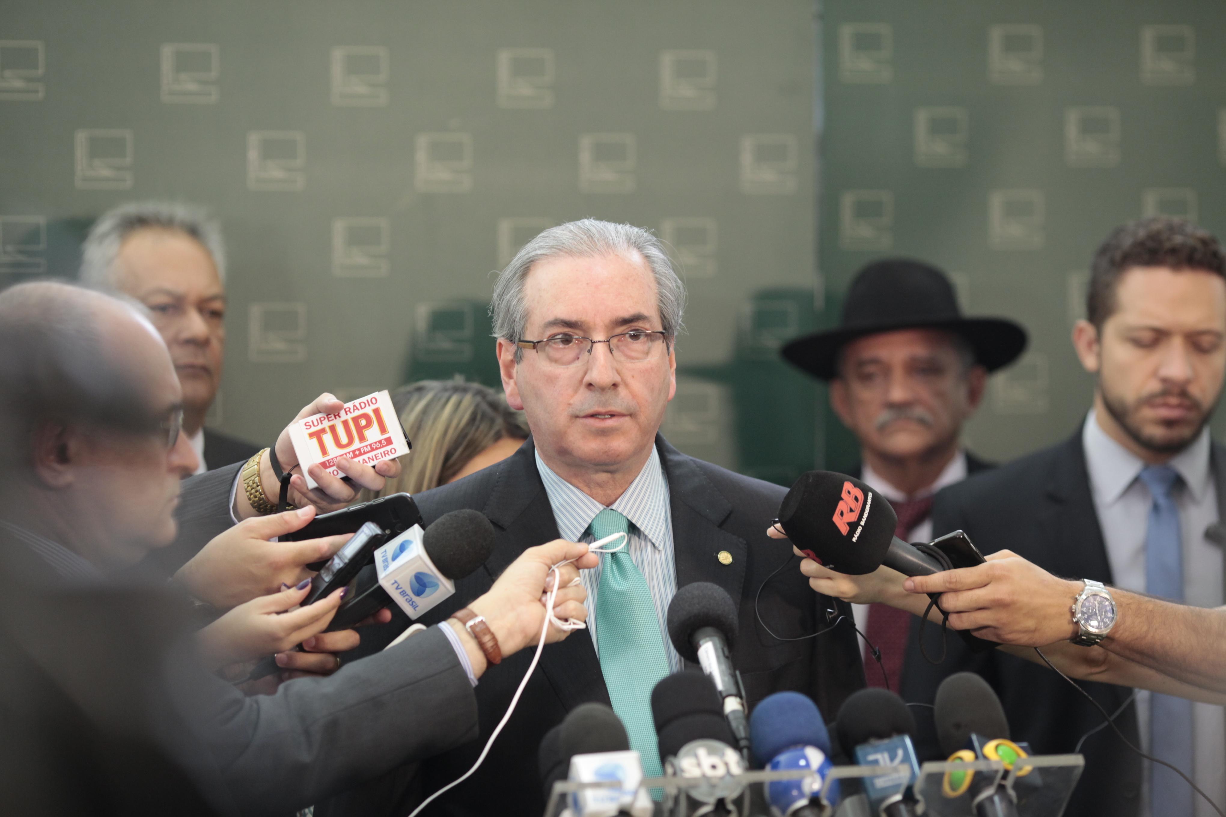 IMAGEM: Eduardo Cunha tenta anular processo por recebimento de propina