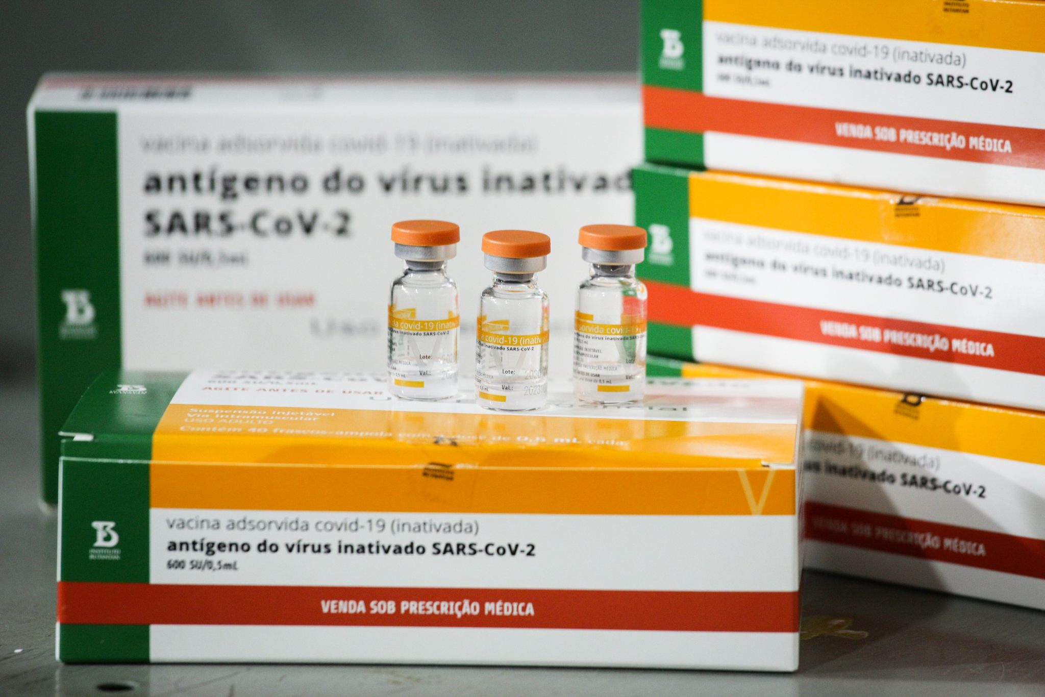 """IMAGEM: Enfermeira desdenha da vacina contra a Covid-19, mas é imunizada: """"Tomei foi água"""""""