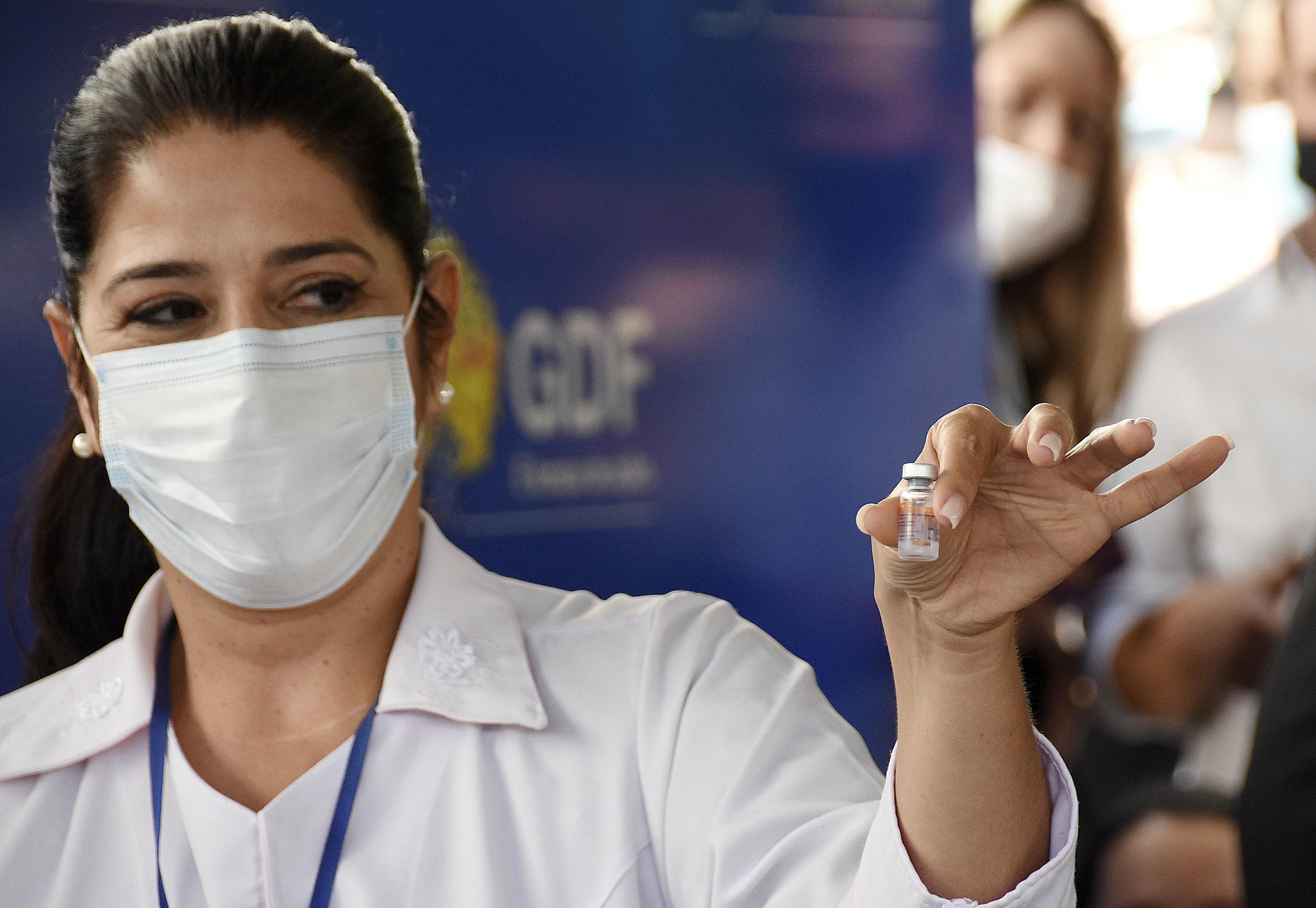 IMAGEM: Vacinação contra Covid-19 é interrompida no DF por causa do Carnaval