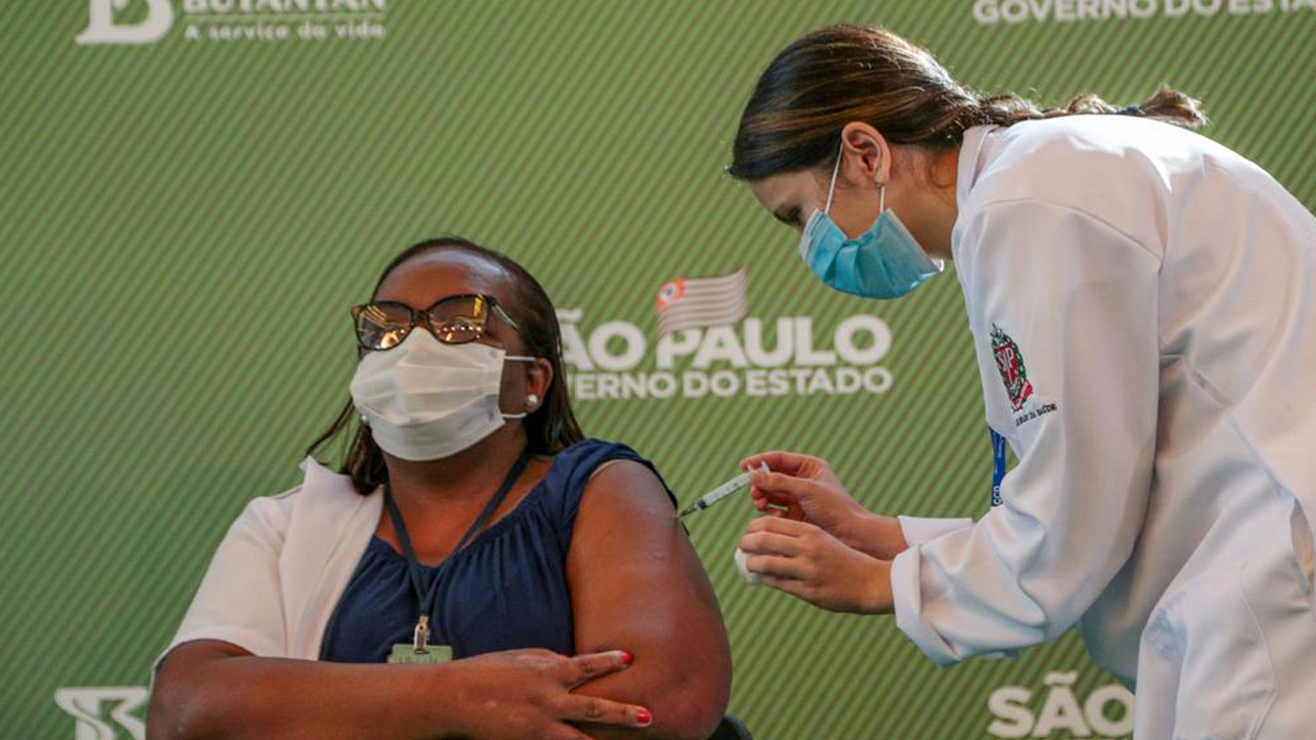 IMAGEM: Estudos preliminares indicam efetividade da Coronavac em profissionais de saúde