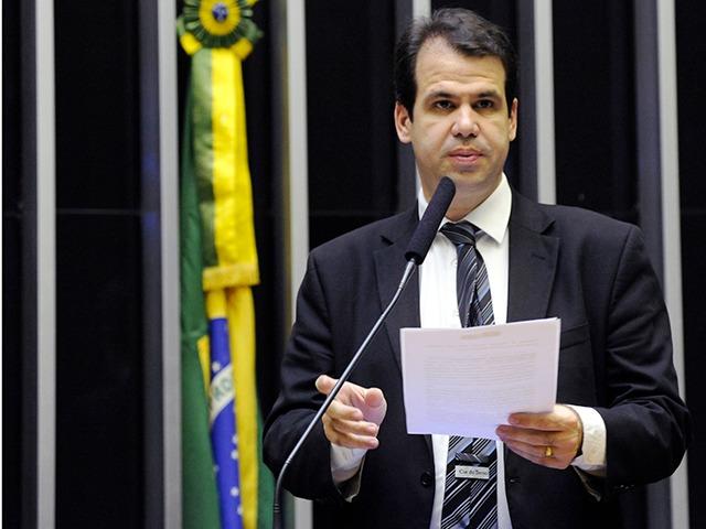 """IMAGEM: Planalto retalia deputado que apoia Baleia: """"A gente entende"""""""