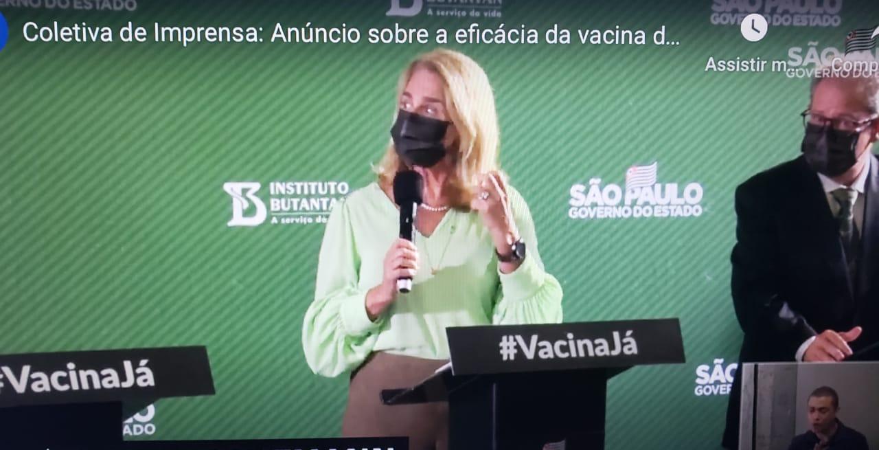 """IMAGEM: """"A gente tinha muita convicção de que a vacina era segura"""", diz Rosana Richtmann"""