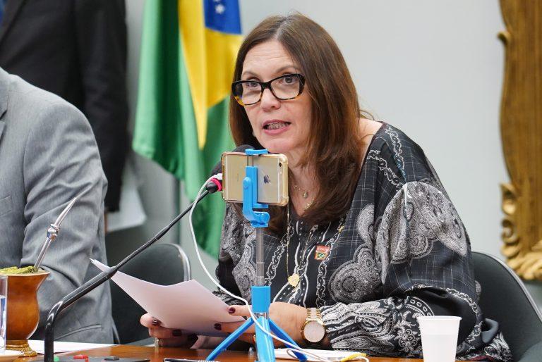 """IMAGEM: Bia Kicis promete """"respeito à Constituição"""", se confirmada na CCJ"""