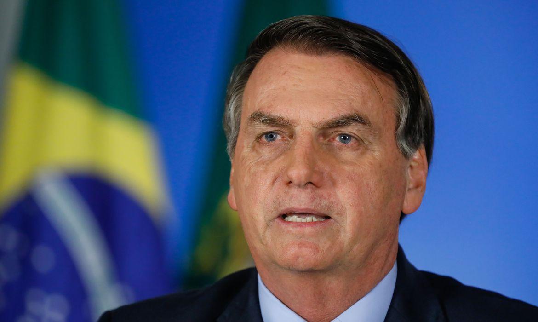"""IMAGEM: Bolsonaro: os que """"teimam em remar em sentindo contrário perderão"""""""