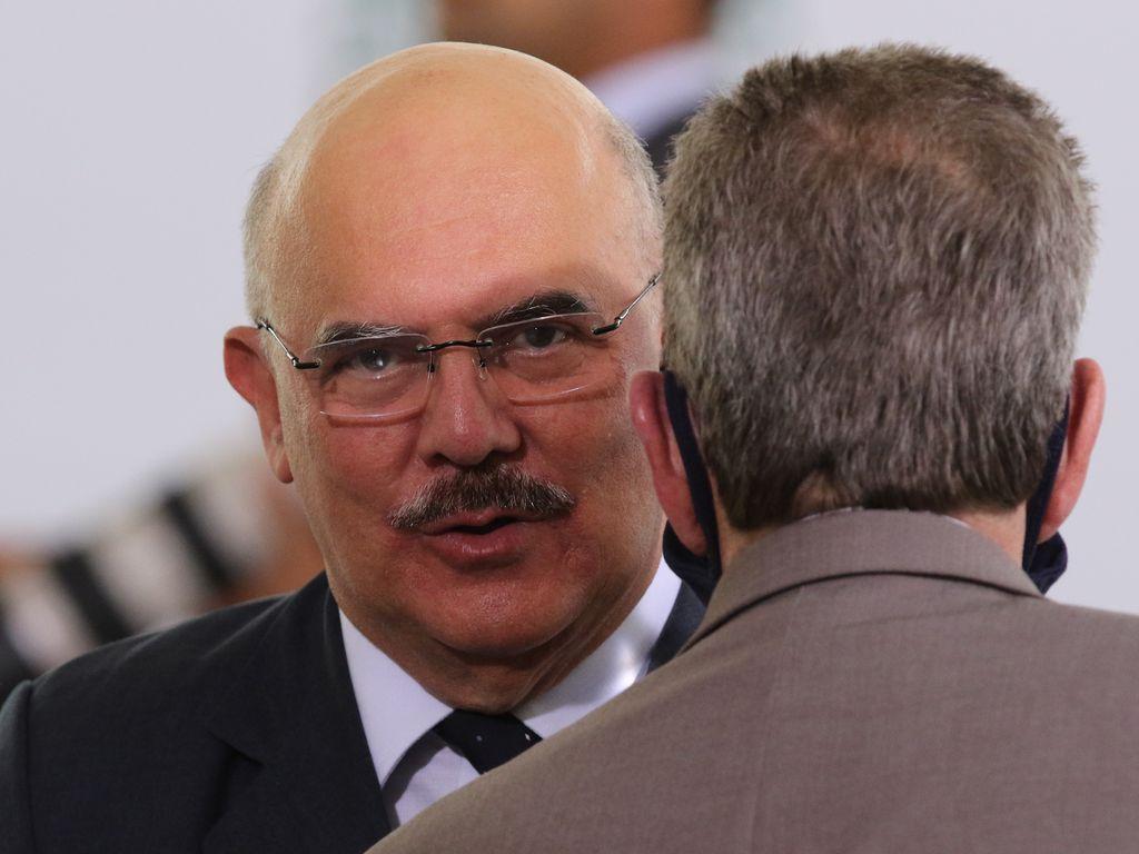 IMAGEM: Enem tem abstenção recorde de 51%; ministro culpa 'mídia'