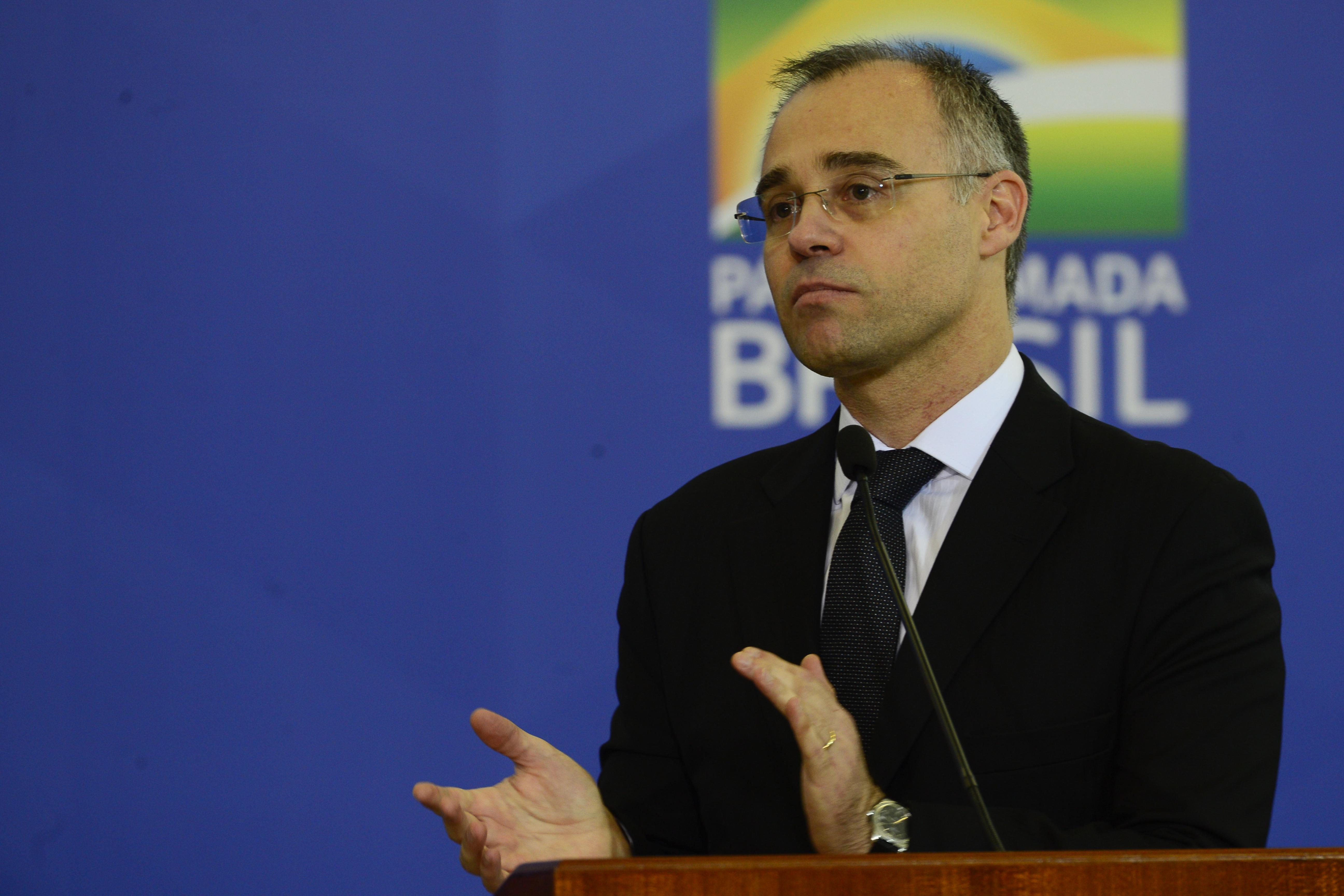 IMAGEM: 'Ninguém deveria escolher seu próprio juiz', diz Oscar Vilhena