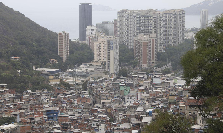 IMAGEM: Covid causa mais de 40% das mortes naturais no RJ em abril