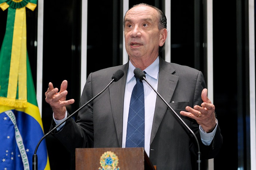 """IMAGEM: """"Perdemos porque faltou voto"""", diz vice de Aécio, sobre eleições de 2014"""