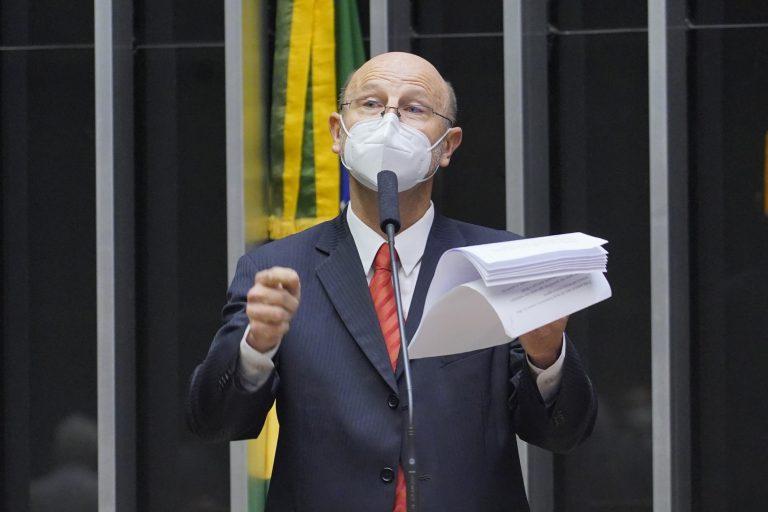 IMAGEM: O PT jura que quer o impeachment de Bolsonaro