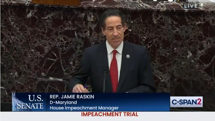 IMAGEM: Líder da acusação no impeachment de Trump se emociona ao lembrar invasão do Capitólio