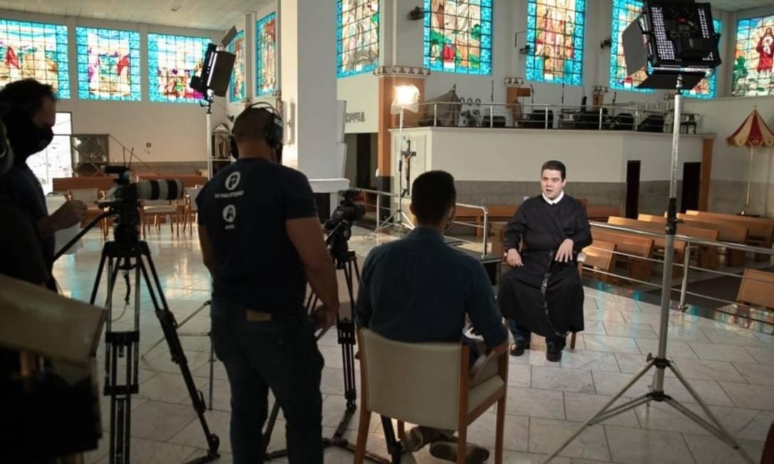 IMAGEM: O silêncio da Igreja sobre os escândalos envolvendo o padre Robson