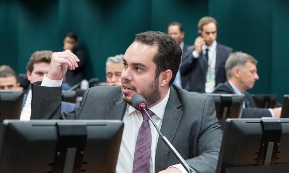 IMAGEM: Bolsonaristas chefiam comissão que analisará PEC do voto impresso