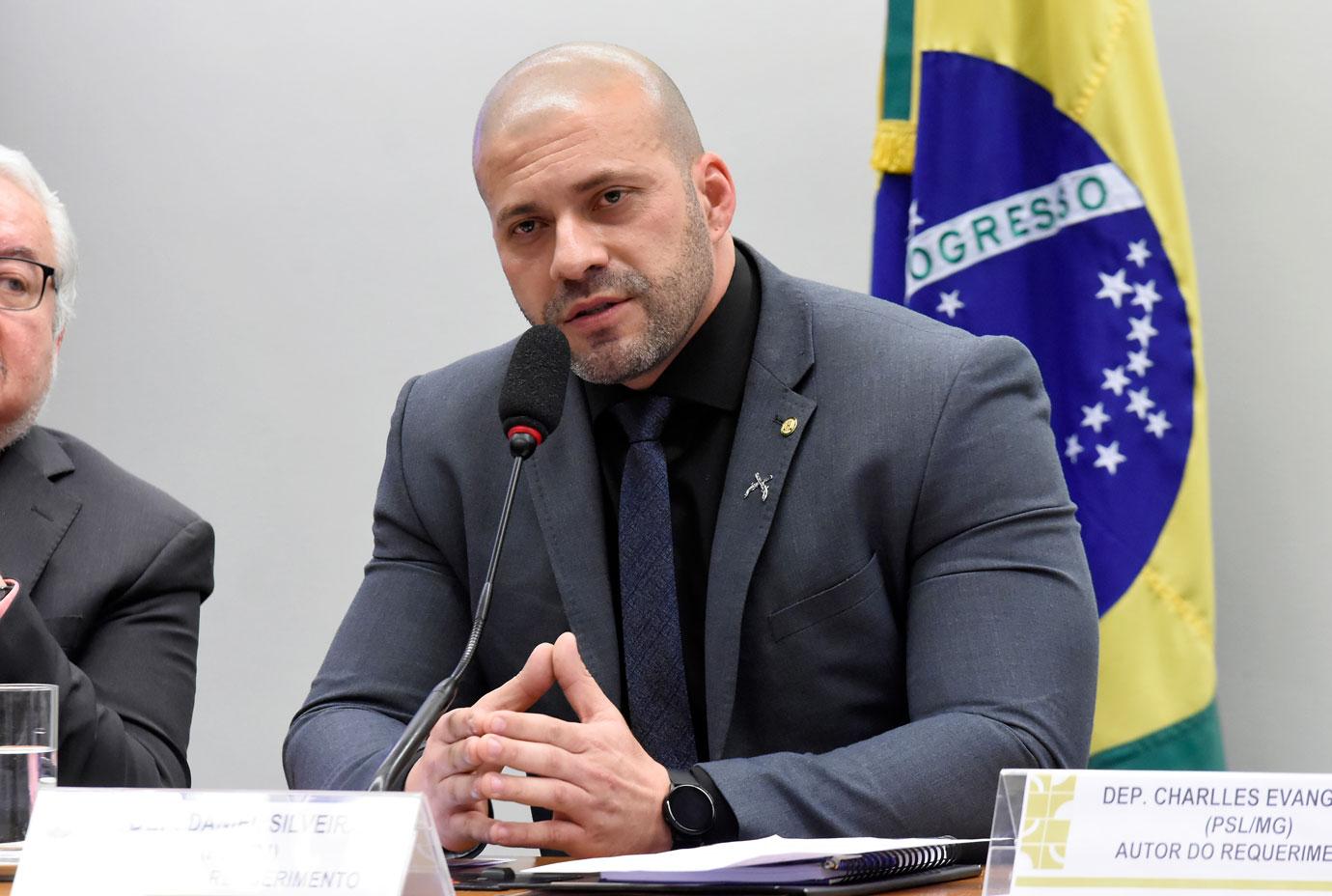 IMAGEM: 'Ele se arrepende e quer reparar seu erro', diz defesa de Silveira, sobre pedidos de asilo
