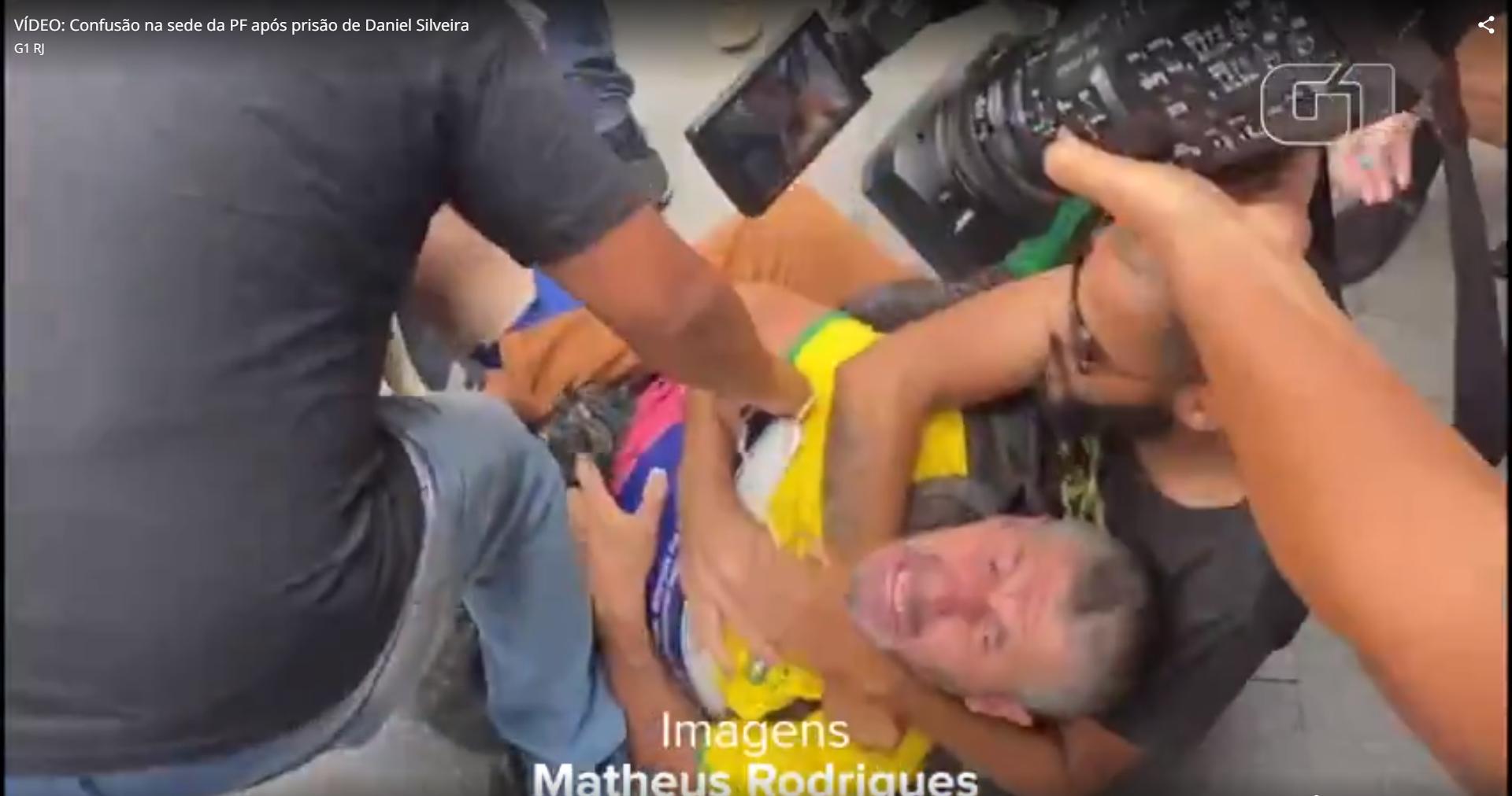 IMAGEM: Apoiadores de Daniel Silveira agridem manifestante pró-Marielle