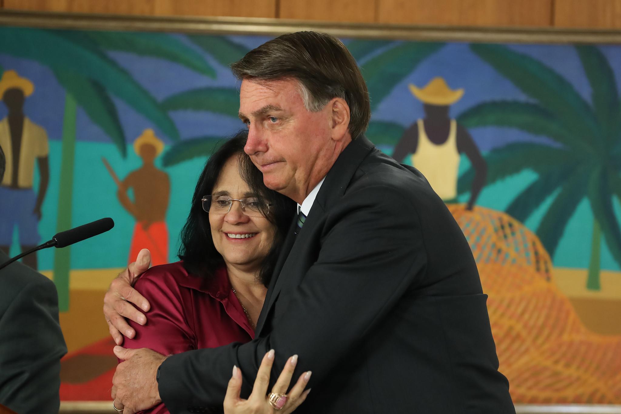 IMAGEM: Ministério de Damares apaga nota em que lamentava mortes no Jacarezinho