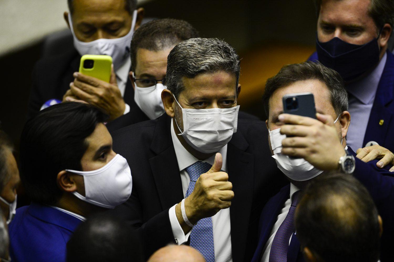 IMAGEM: Aliados de Lira já contabilizam 300 votos