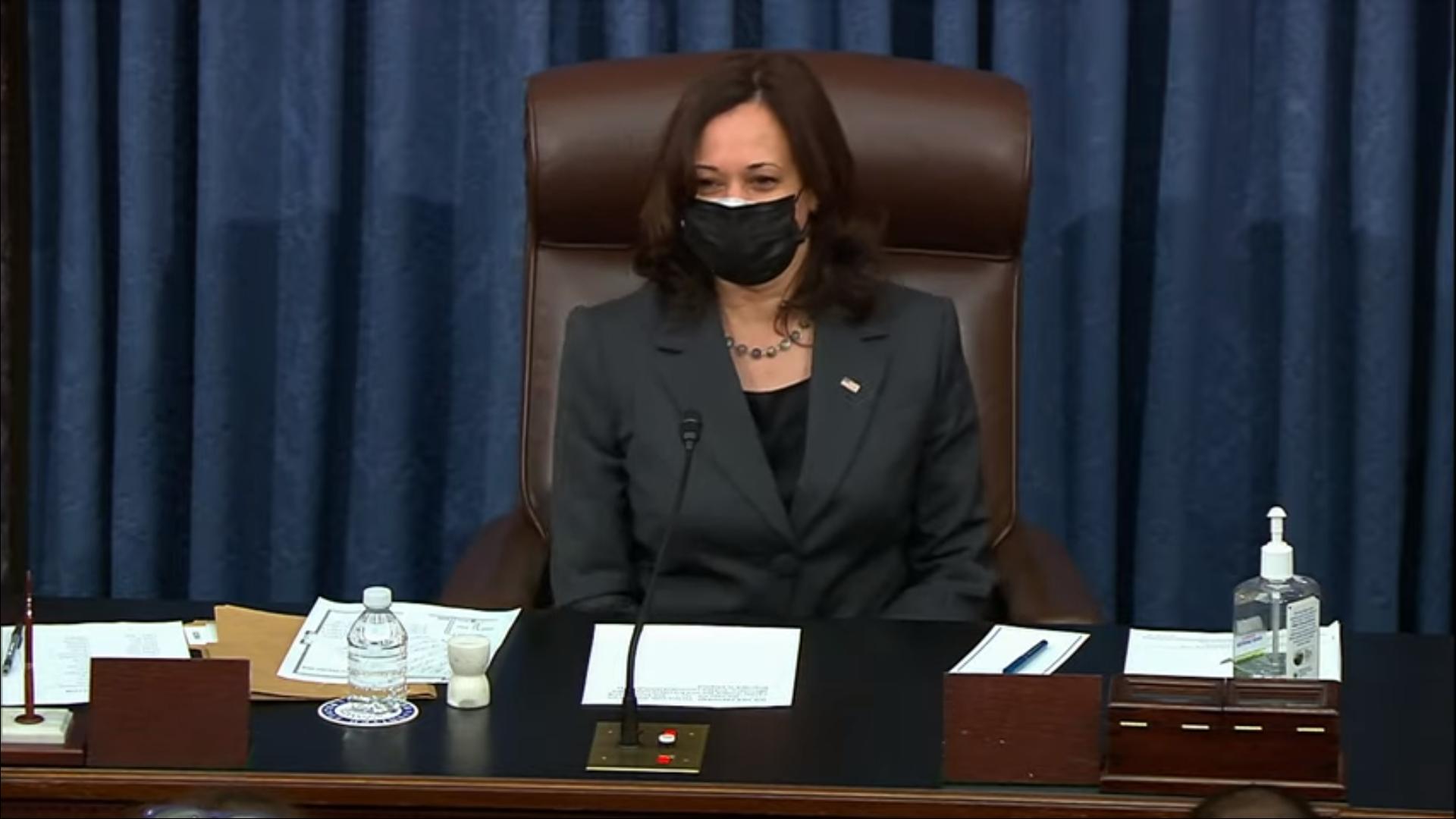 IMAGEM: Pela 1ª vez, Kamala Harris lança voto de desempate no Senado