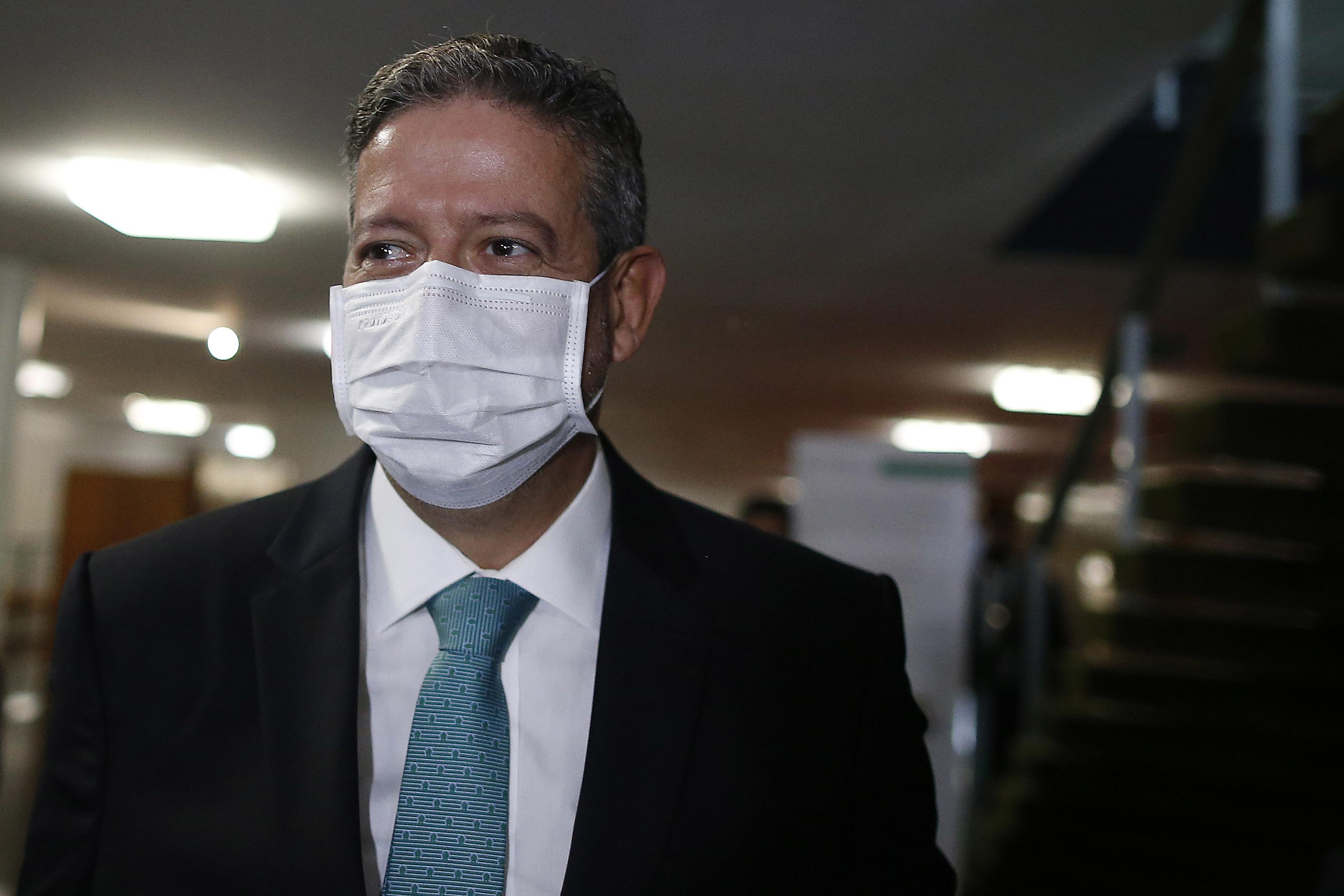 IMAGEM: Ibovespa recua após recado de Lira a Bolsonaro