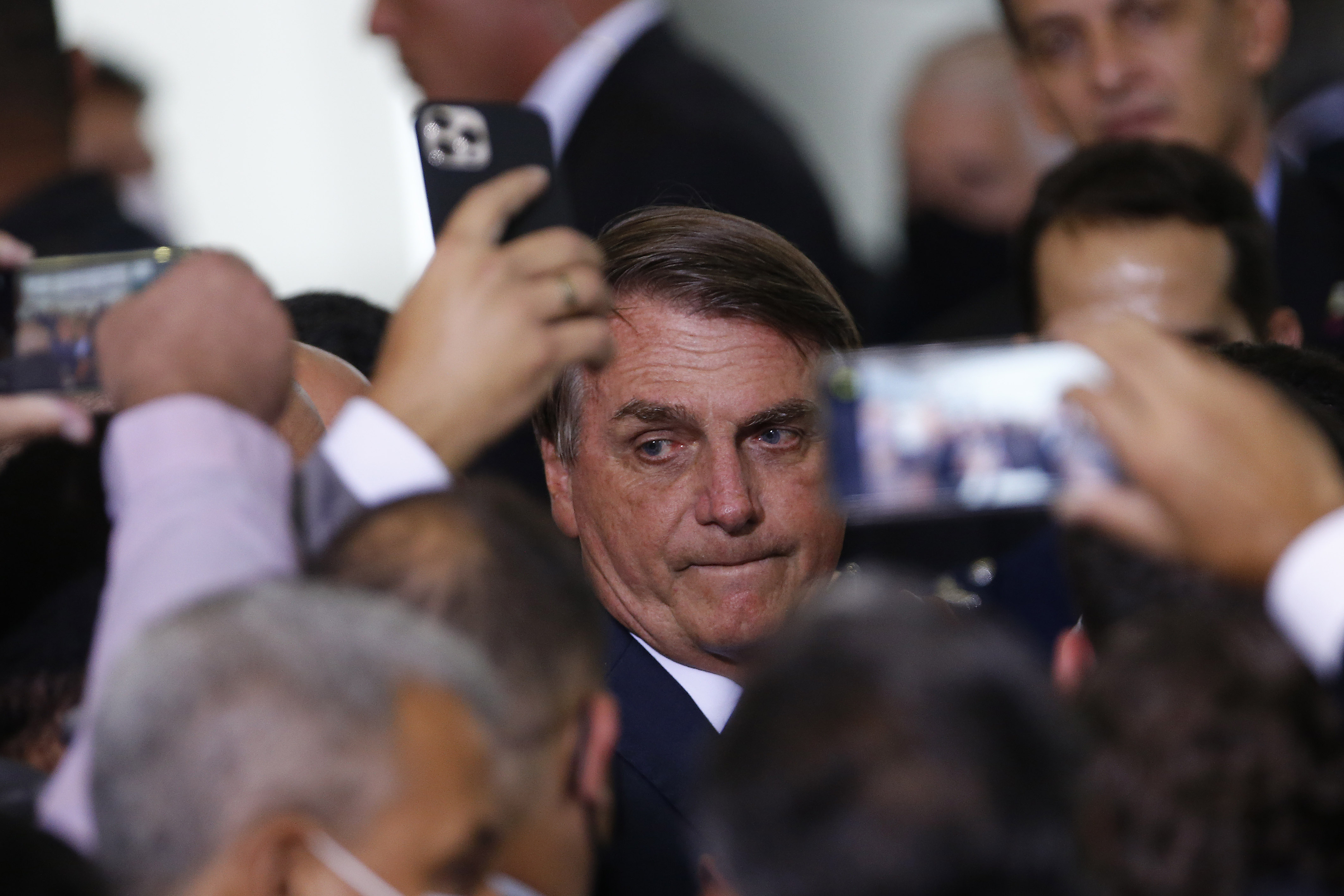 IMAGEM: Partido que Bolsonaro 'namora' é investigado por ligação com milícias