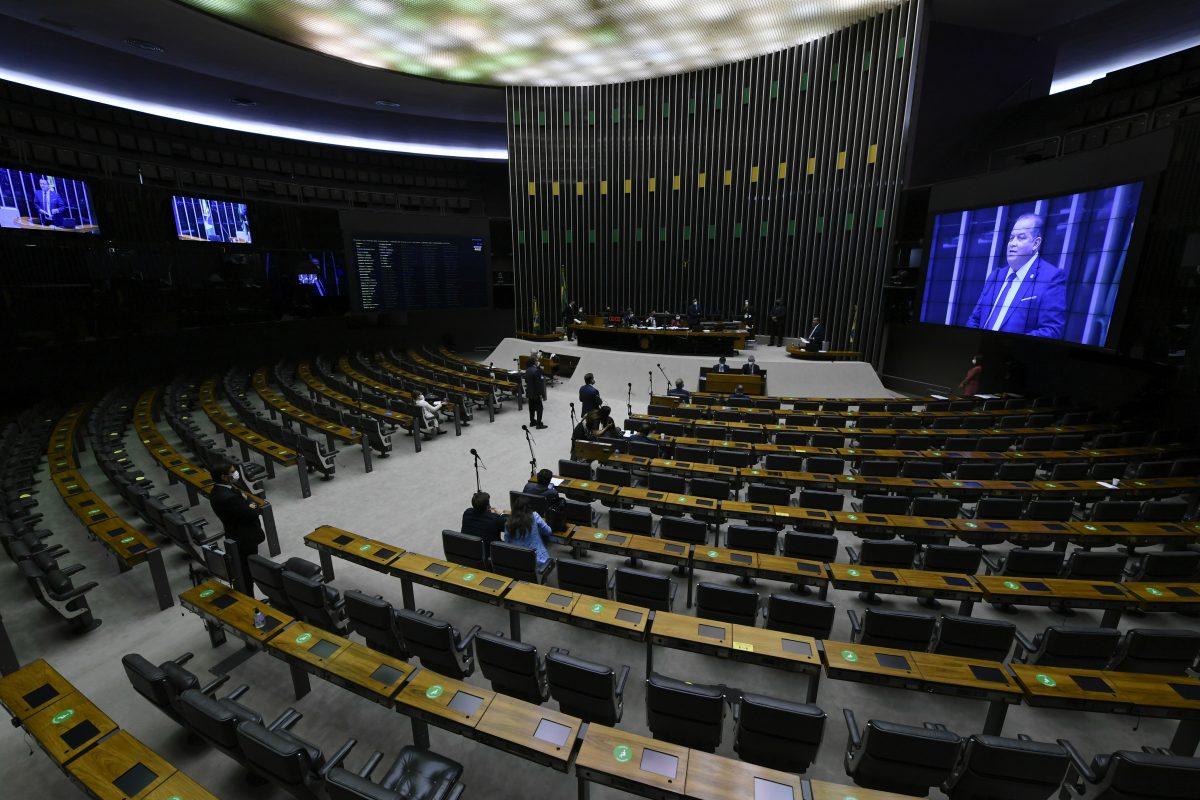Senadores voltam a criticar pressa na aprovação da privatização da Eletrobras
