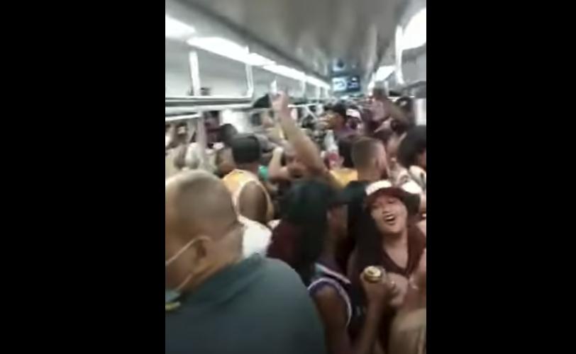 IMAGEM: No Rio, grupo promove festa em vagão de trem