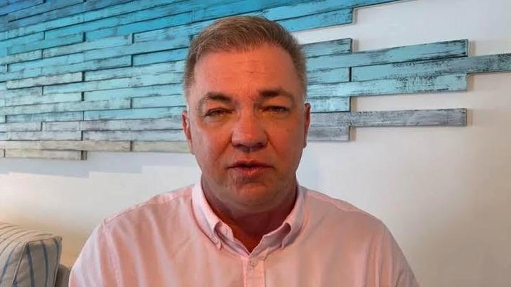 IMAGEM: Prefeito que tirou férias em Cancún em meio a colapso comanda consórcio de vacinas