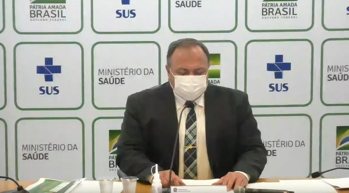 """IMAGEM: """"O Brasil pode se orgulhar"""", diz Pazuello"""