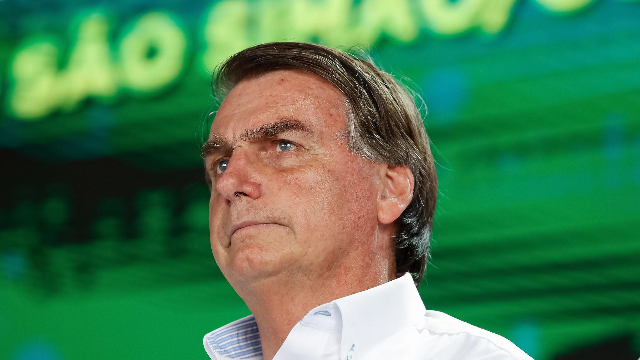 IMAGEM: Bolsonaro admite que houve golpe em 1964