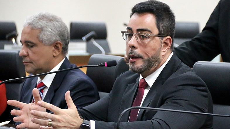 IMAGEM: CPI aciona Bretas para ter acesso a inquéritos sobre hospitais federais