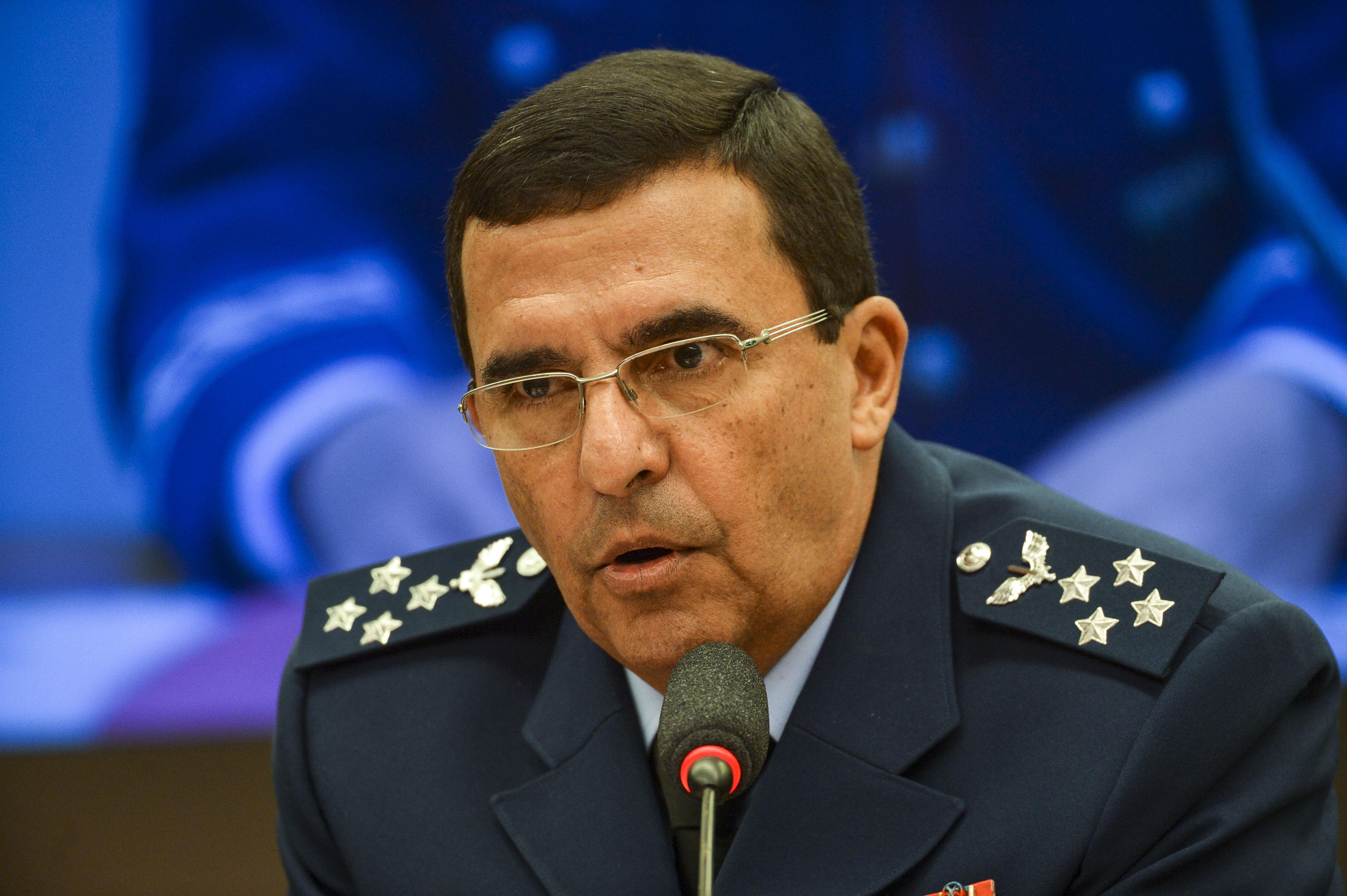 IMAGEM: Comandante da Aeronáutica recebeu aval de Braga Netto e Bolsonaro
