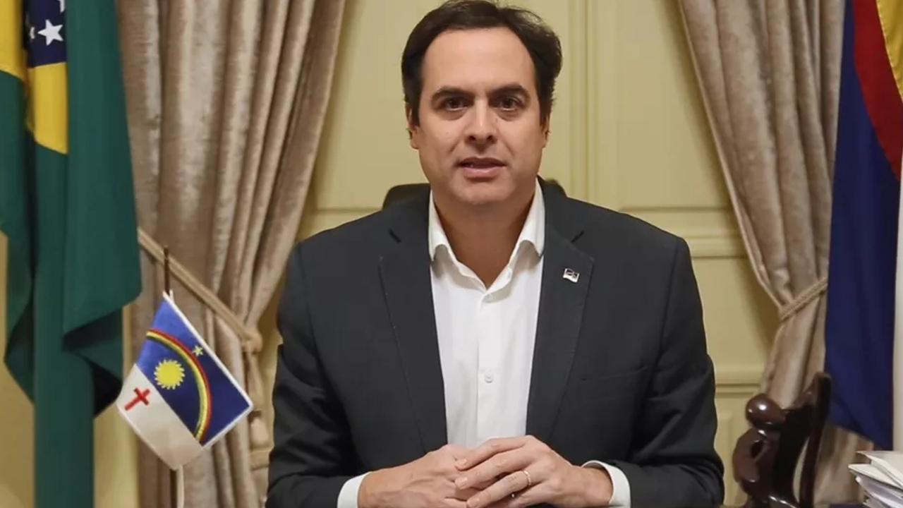 """IMAGEM: Governador de Pernambuco rebate """"atitudes lamentáveis"""" de Bolsonaro"""