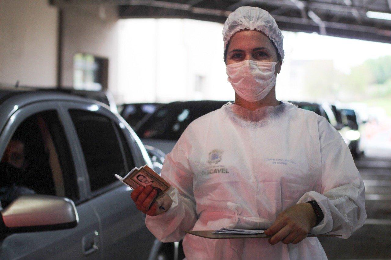 IMAGEM: Covid: Senado aprova projeto que obriga a vacinar nos finais de semana