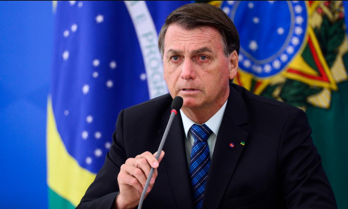IMAGEM: Bolsonaro exonera chefe da Secom