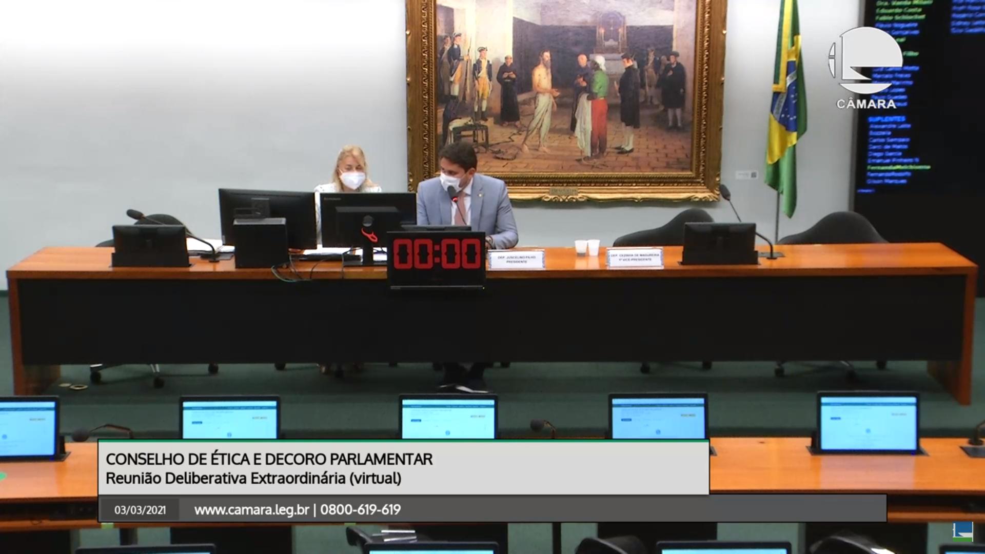 IMAGEM: Conselho de Ética começa com atraso e encerra sessão sem decidir sobre Carlos Jordy
