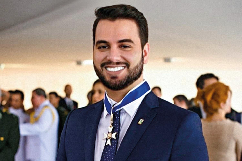 IMAGEM: 'Vão culpar o Ernesto ou deixar a desonestidade de lado?', diz Filipe Martins