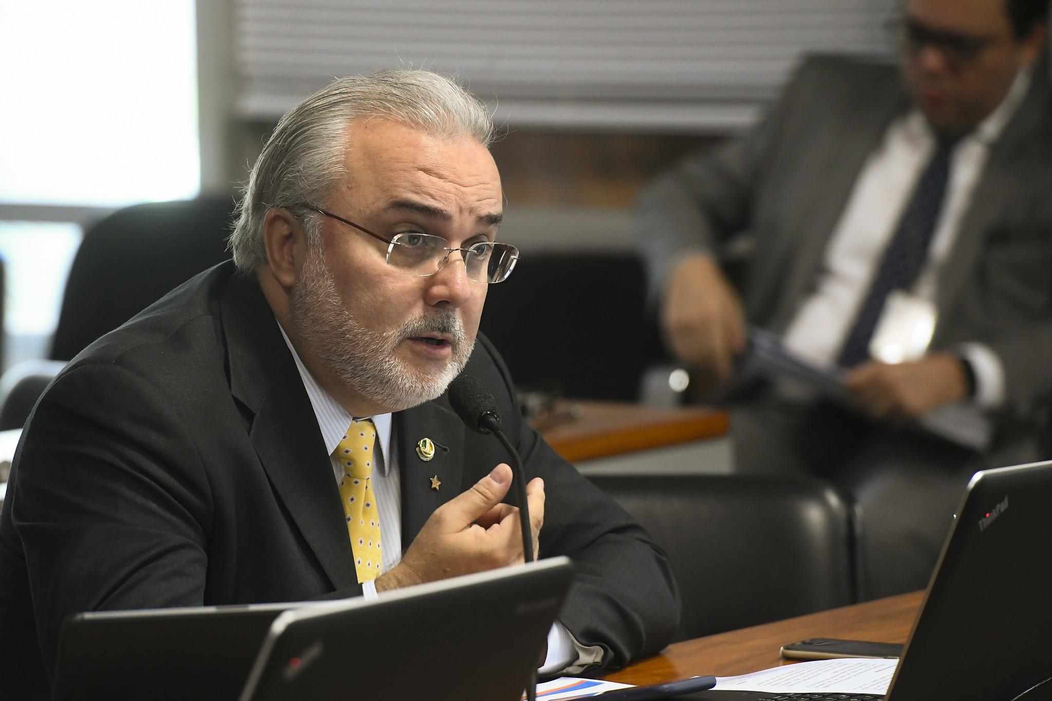 IMAGEM: Líder da minoria confirma 'decantação' do projeto da vacinação privada no Senado