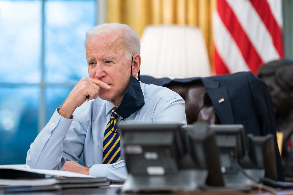 """IMAGEM: Biden enaltece """"o legado do príncipe Philip"""""""