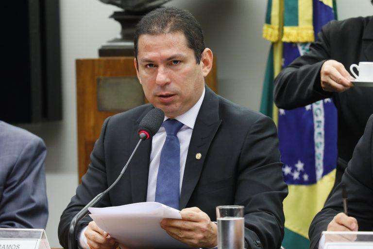 IMAGEM: Vice de Arthur Lira quer pautar projeto para limitar poderes de Guedes