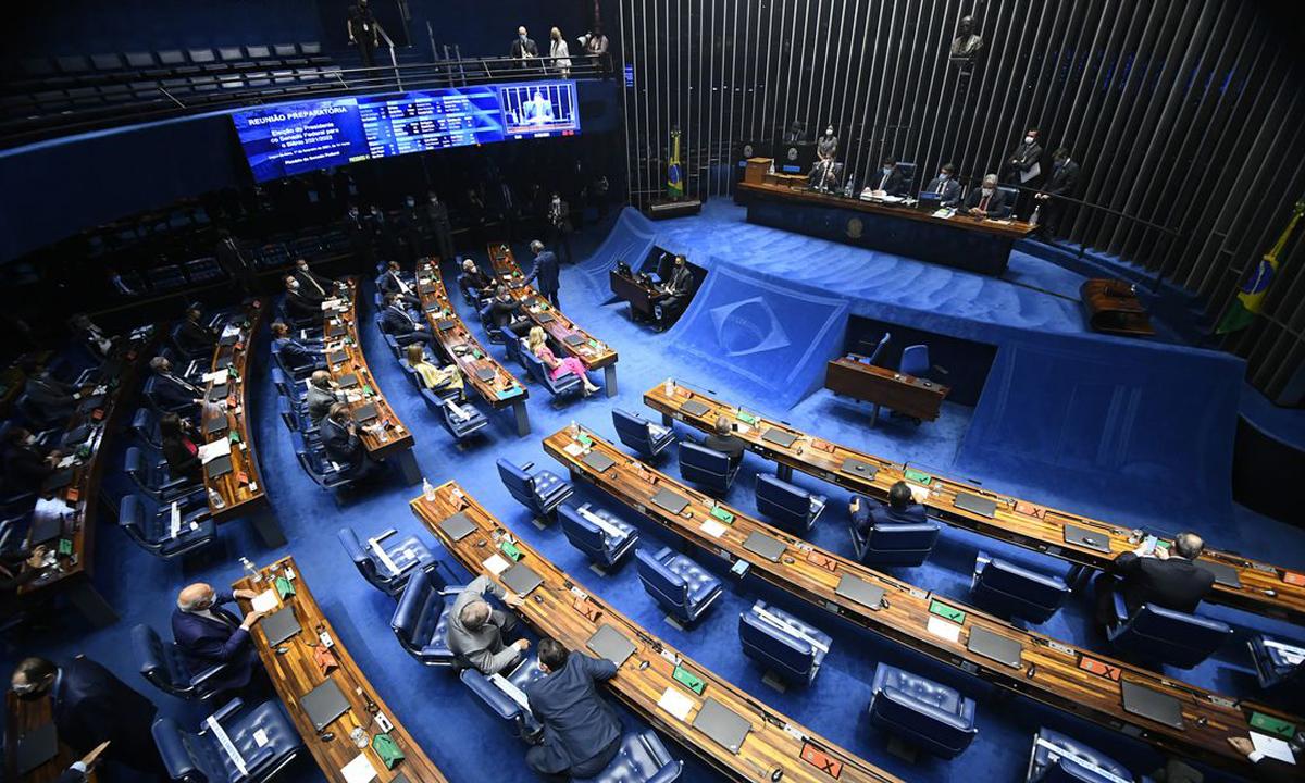 IMAGEM: Covid: Senado aprova apelo à comunidade internacional por vacinas