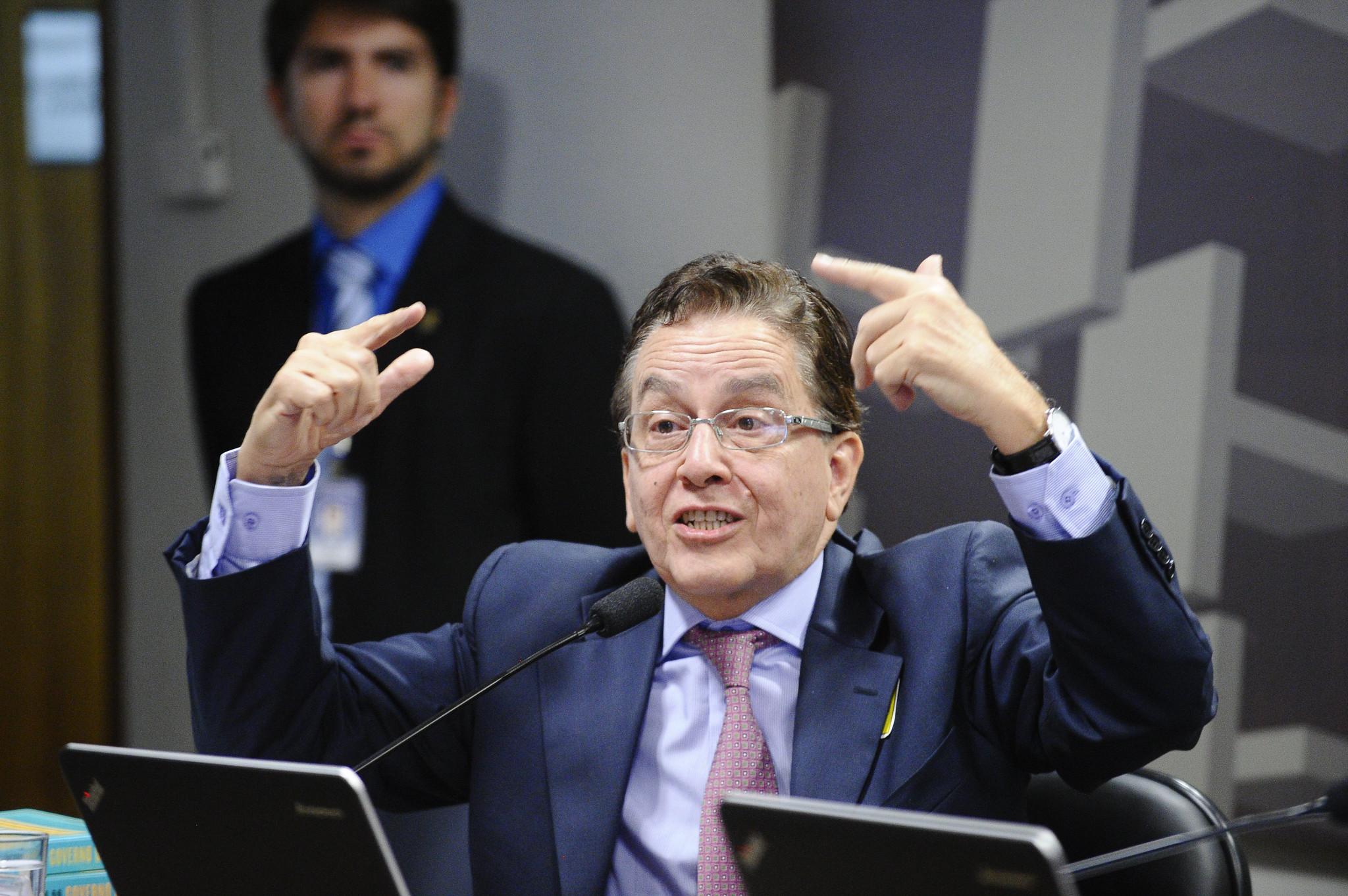 """IMAGEM: """"Supremo imita Chacrinha ao adiar Censo para 2022"""", diz ex-presidente do IBGE"""